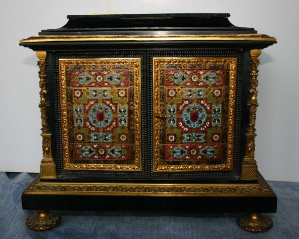 armoire-a-bijoux-1-oeuvre-de-mathieu-edouard-granger-mort-en-1880-epoque-napoleon-iii-encadrement-en-bois-debene-bronze-cisele-et-dore-email-cloisonne