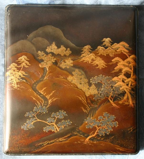 boite-a-aquarelle-1-couvercle-en-laque-japonaise-takamaki-e-du-xixe-siecle-h-45-cm-long-26-cm-largeur-23-cm-origine-rosset-granger