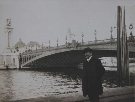 edouard-rosset-granger-devant-le-pont-alexandre-iii-vers-1910