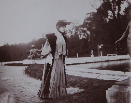 marcelle-rosset-granger-en-1910-a-versailles-1